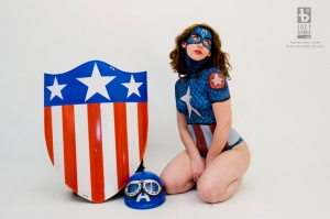 female_captain_america_body_paint_09